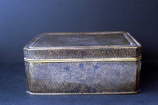 JAPANESE CLOISONNÉ BOX 19th GILT 7*13.7*16.8 cm. foto 2