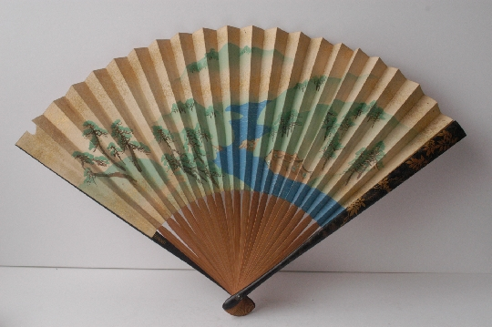 JAPANESE FAN lacquer GOLD and SILVER makie signed 28.7 cm. SOLD!