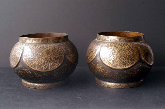 JAPANESE PAIR CENSER KYOTO  signed 11 cm. diam € 480