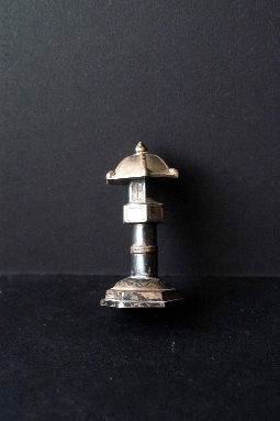 JAPANESE SILVER LANTERN 19th signed 6.3 cm. € 380